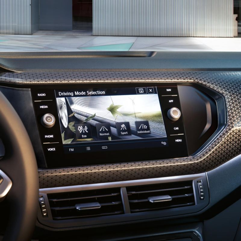 Navigationssystem Discover Media im VW T-Cross mit der Fahrprofilauswahl