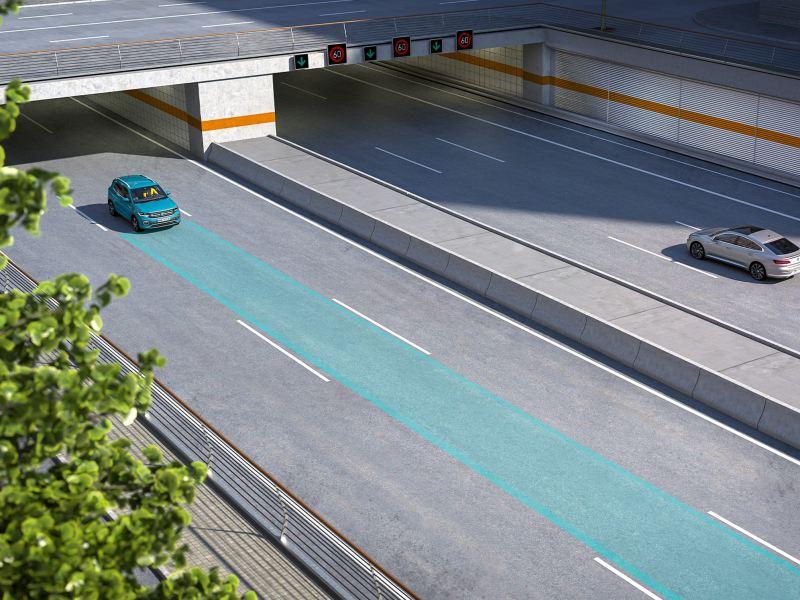 Le T-Cross équipé de Lane Assist roule dans la rue. Capteurs et voie sont représentés graphiquement.