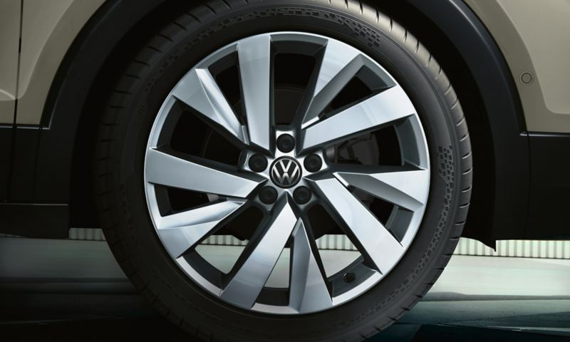 "VW T-Cross rim ""Funchal"" in glam silver"