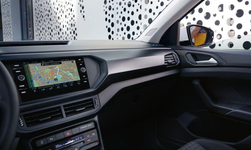 Passasjerside iog dashbord i Volkswagen T-Cross