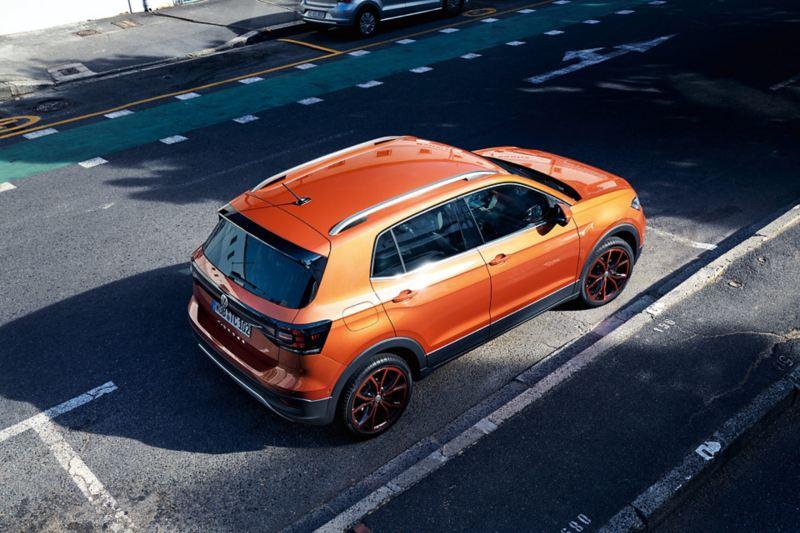 Volkswagen T-Cross parkert, sett ovenfra