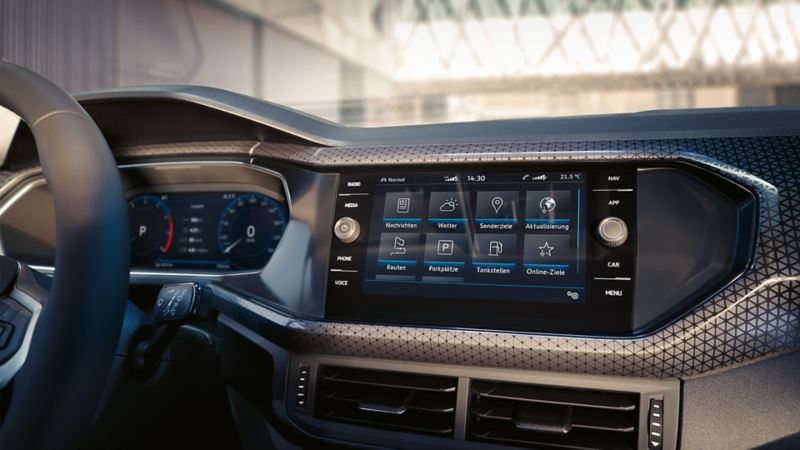 Discover Media with Car-Net Guide & Inform screen