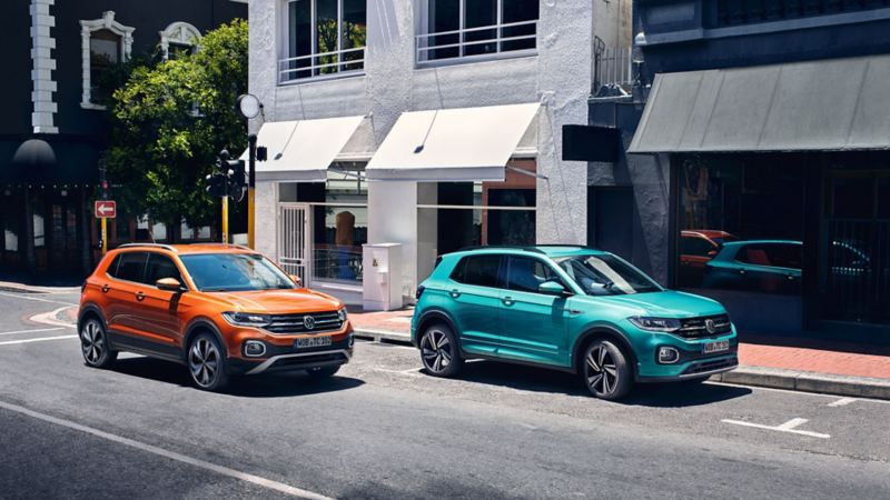 "VW T-Cross in Makena-Türkis und mit ""Energetic Orange"" Design-Paket"