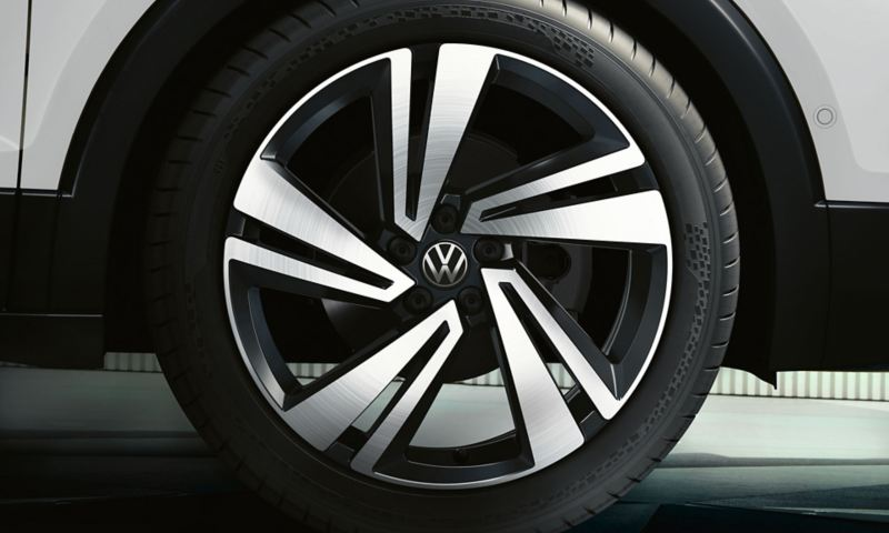 "VW T-Cross rim ""Nevada"" in black with polished surface"