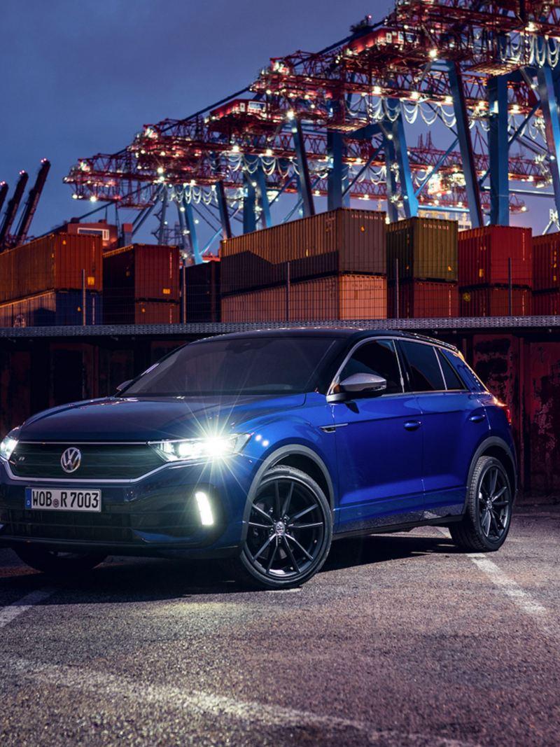 VW T-Roc R, vooraanzicht schuin, focus op wiel