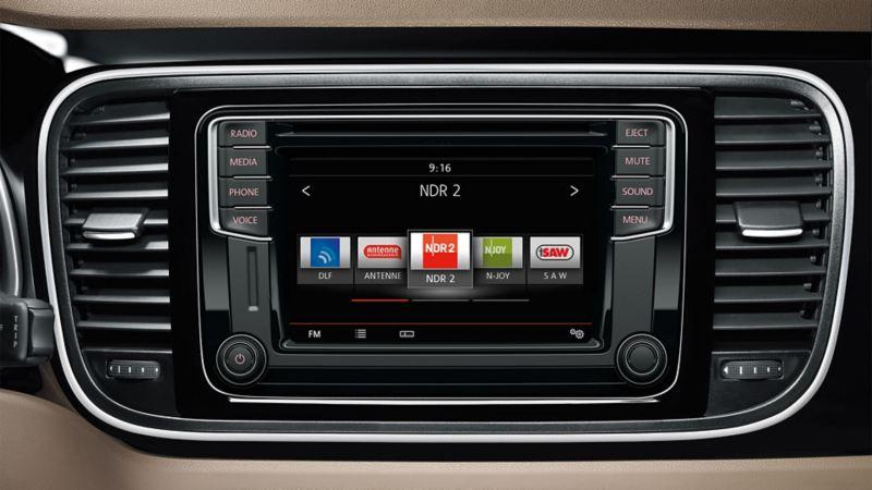 Volkswagen Boardcomputer mit Fokus auf das Radio Data System