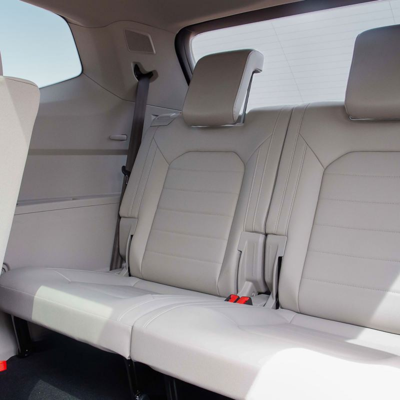 Back seats and comfort of the Volkswagen Teramont