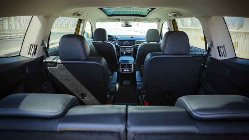 The 7-seater interior of the Volkswagen Teramont