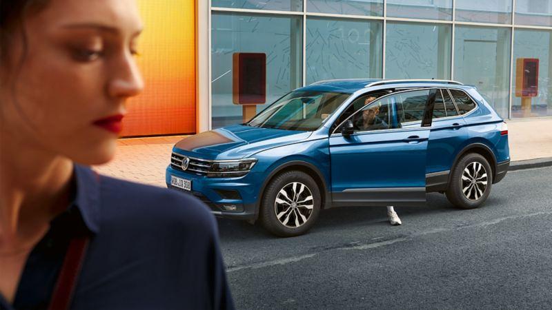 VW Tiguan Allspace side view