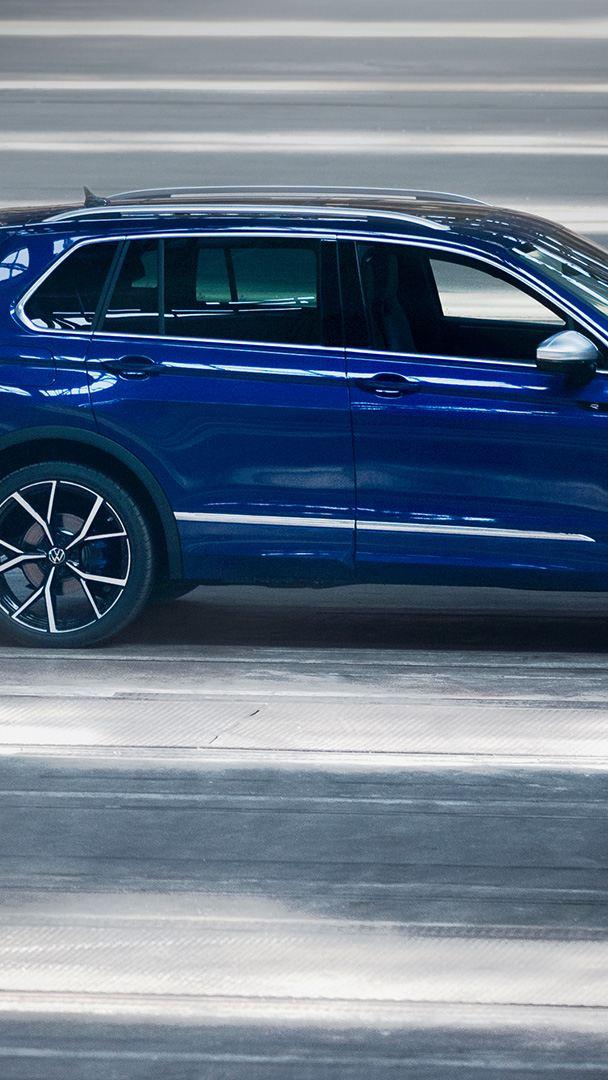 VW Tiguan R – widok z boku