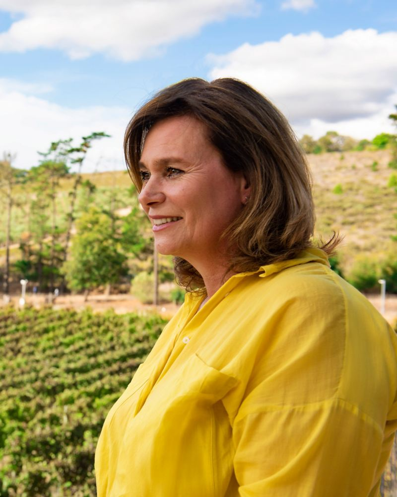 Pia Watermeyer (Kunjani Wines) im Weinberg