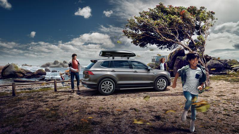 Volkswagen Tiguan Allspace in contesto offroad