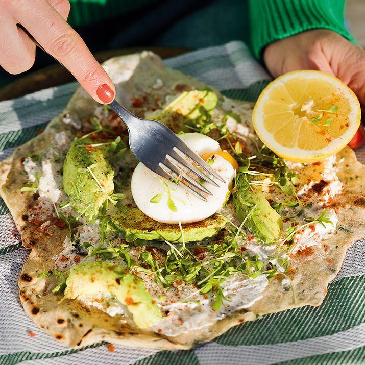 Tortillas med ägg och avokado