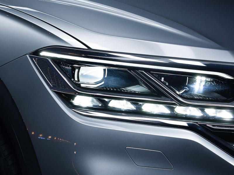 Closeup of the Volkswagen Touareg LED Matrix headlight