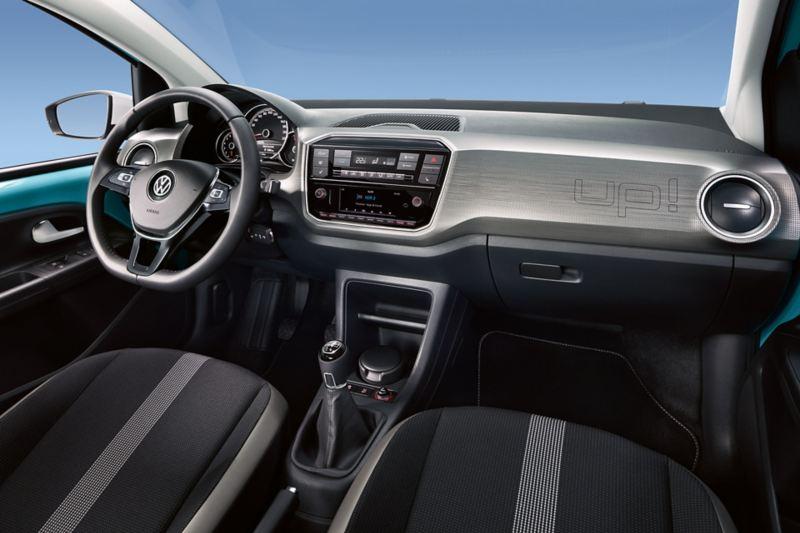 """Habitáculo do VW up! com pacote design e inserções """"pixels"""" no painel de instrumentos."""