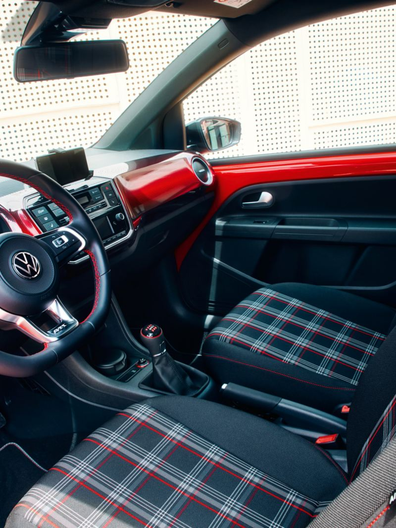 O habitáculo do Volkswagen up! GTI
