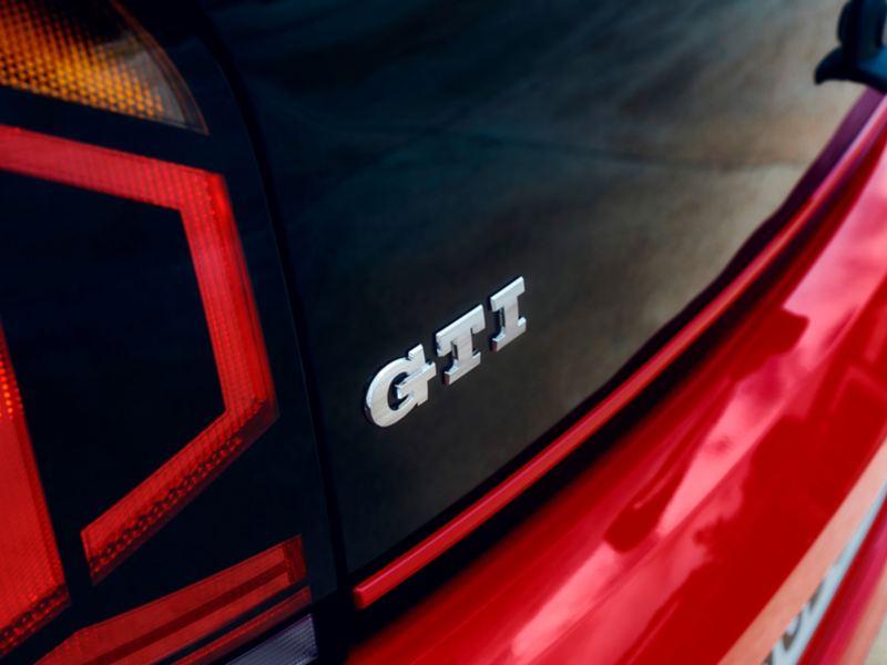 particolare G T I  su portellone posteriore up! GTI