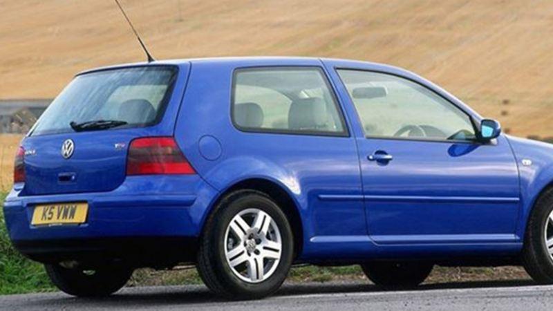 Auto compacto con tecnología de sistema de reversa de Volkswagen México