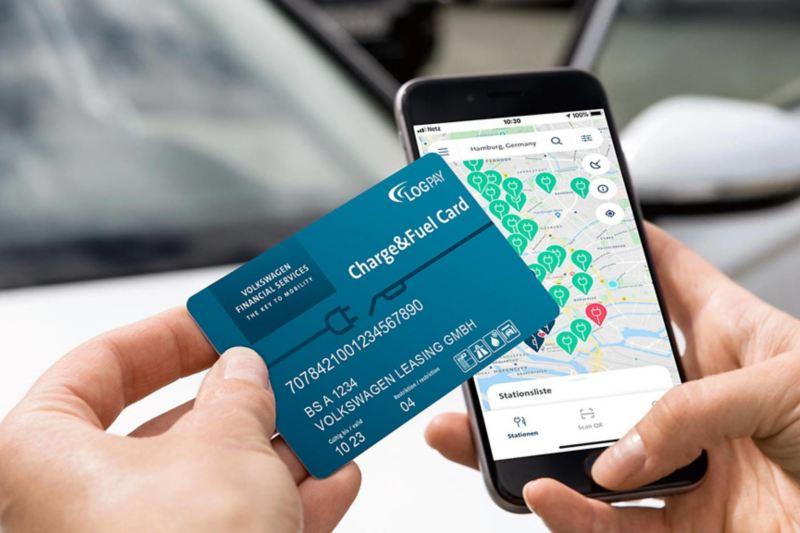 Charge&Fuel Card zum bargeldlosen Zahlen mit Logos von VW und UTA, ausgestellt auf Volkswagen Leasing GmbH