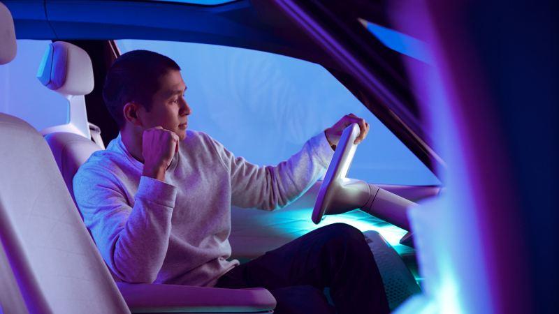 VanBoLe-Mentzel est assis au volant du concept-carID.