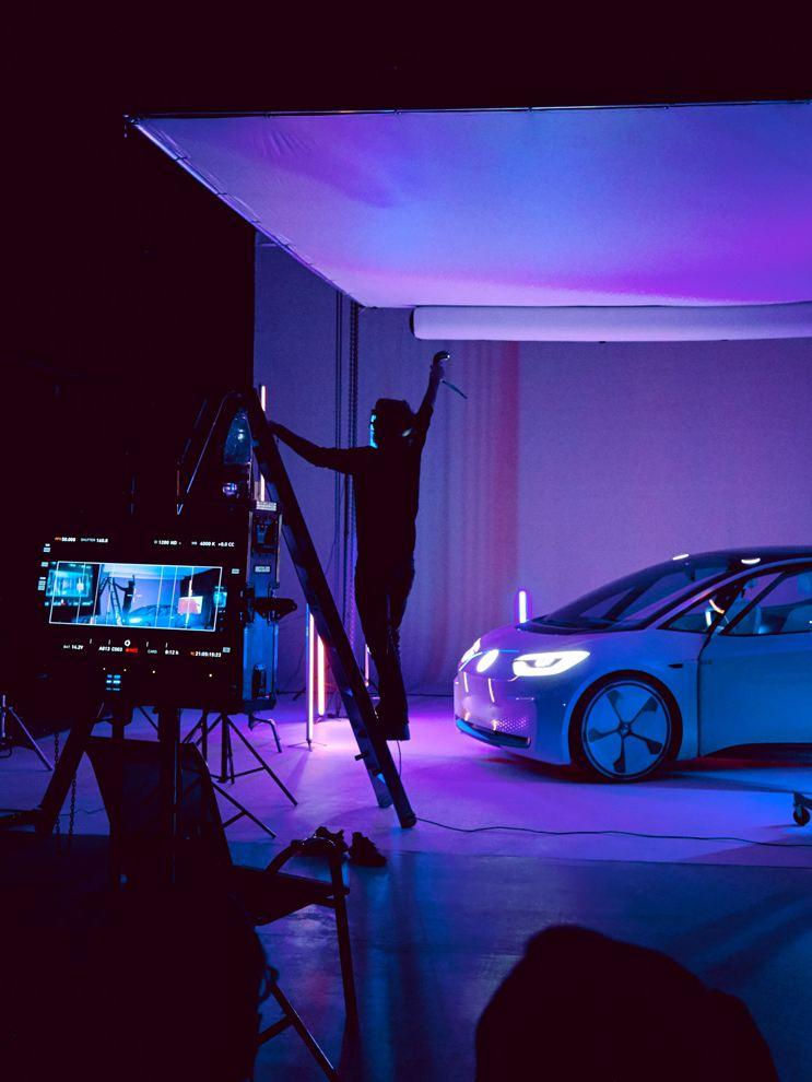 Leo Volland mentre sperimenta la realtà virtuale
