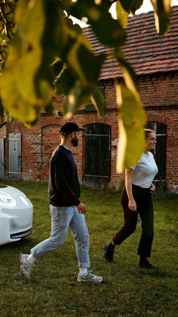 Anna et Marcus dans leur ferme à Brandebourg.