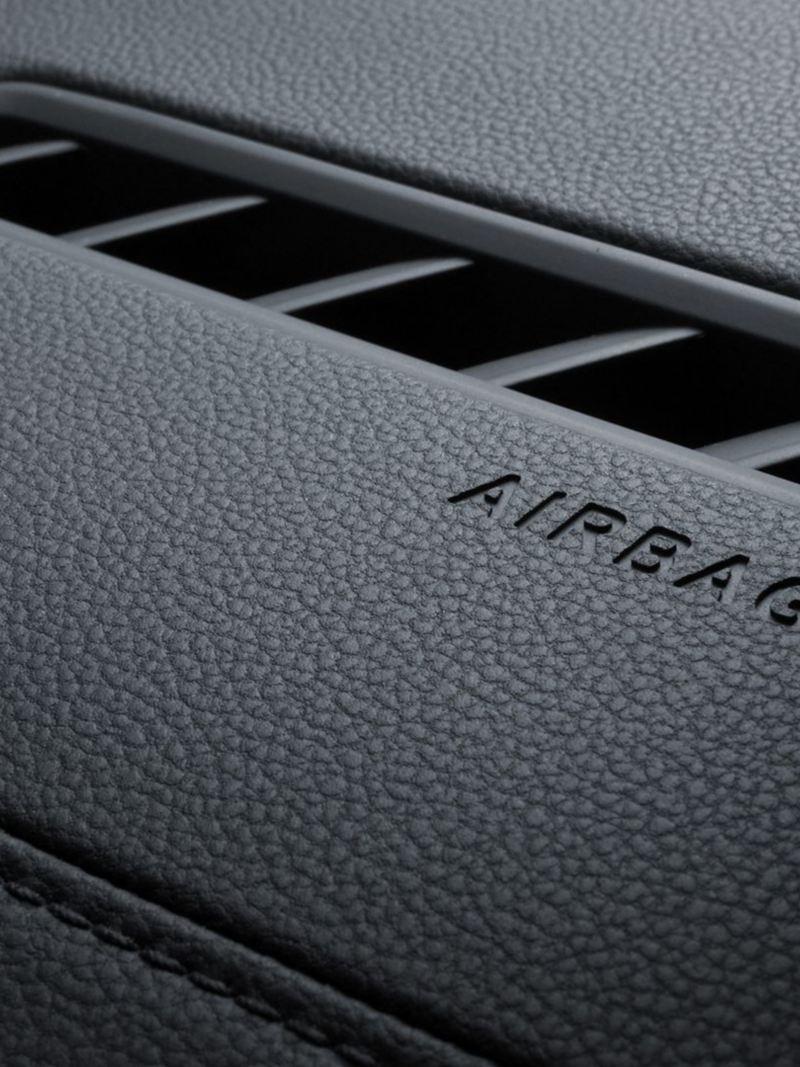 Una de las 6 bolsas de aire presentes en el Jetta GLI 2020 de Volkswagen