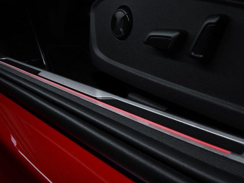 Estribos iluminados del Jetta GLI 2020 de Volkswagen