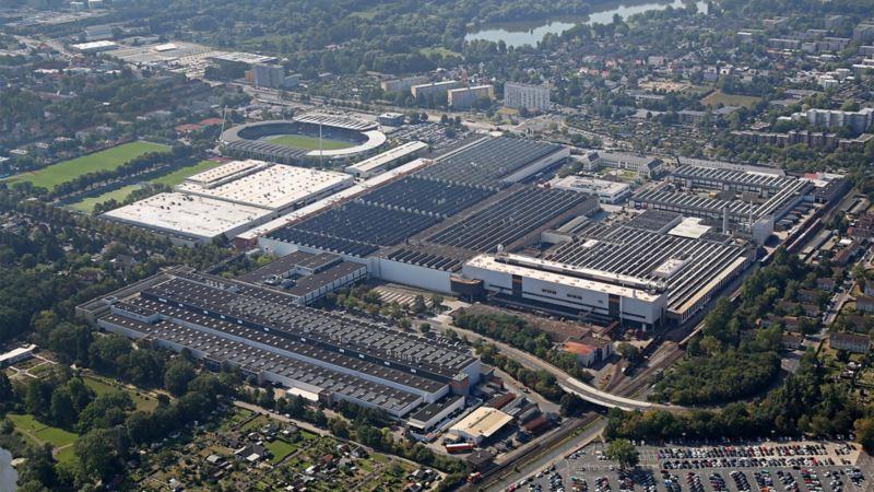 Das Volkswagenwerk Braunschweig aus der Vogelpersepektive betrachtet