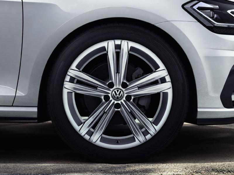 18 吋Sebring 鋁合金輪圈