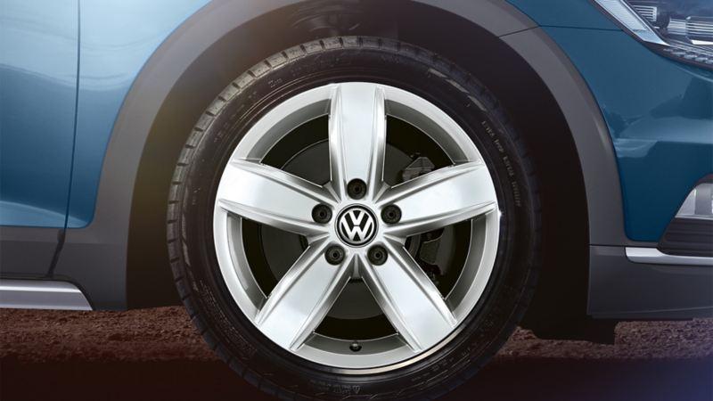 Vorderreifen des VW Passat Alltrack