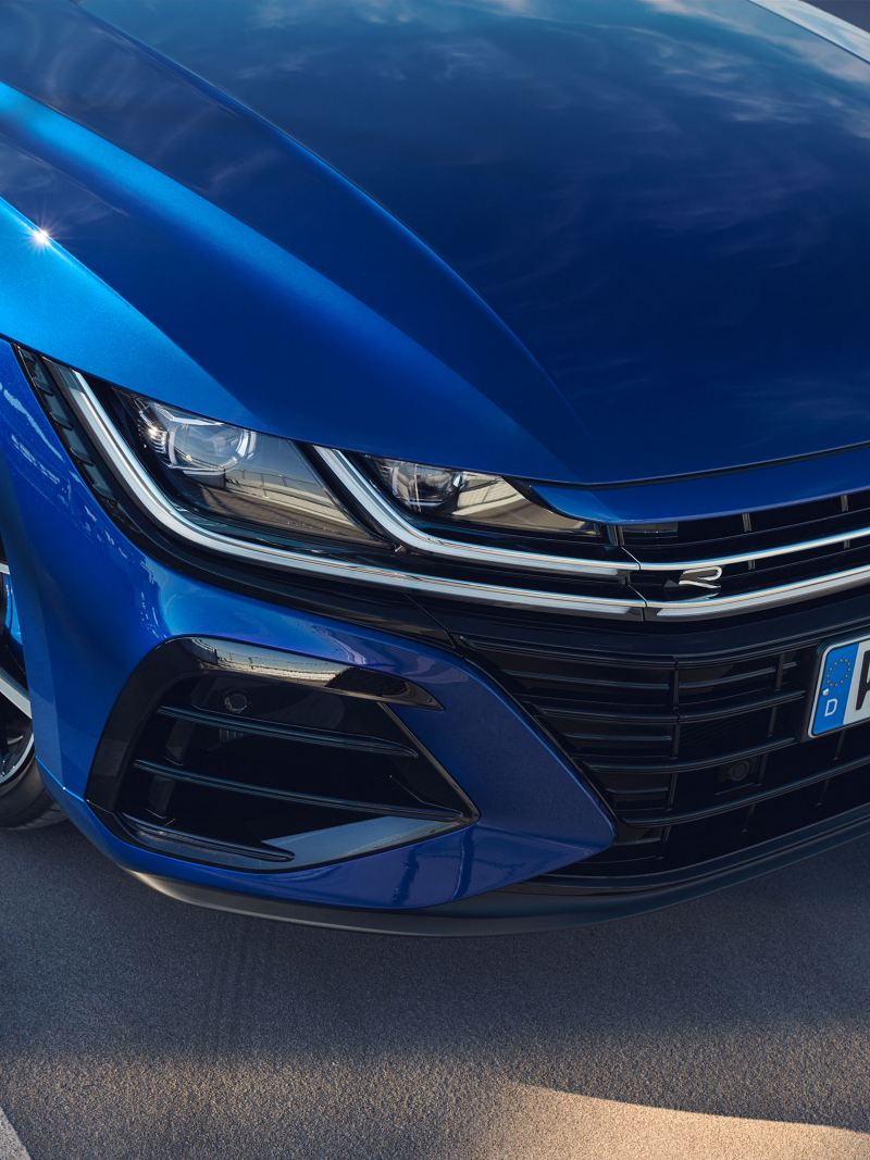 The VW Arteon R from the front – sporty through and through