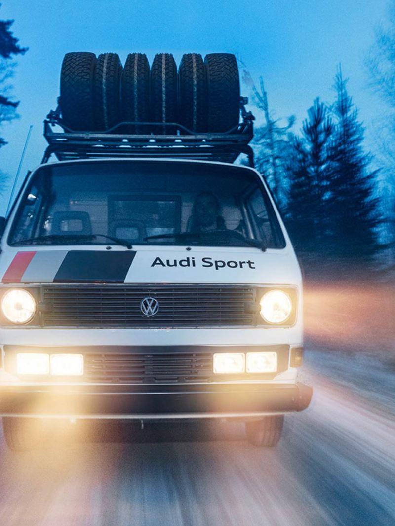 Audi Sport-bussen på väg