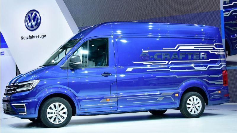 Blue Metallic paintwork Volkswagen e-Crafter
