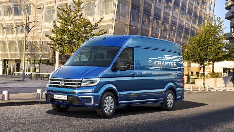 Blue Metallic paintwork Volkswagen e-Crafter city day drive