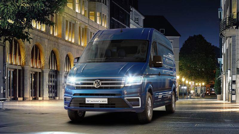Blue Metallic paintwork Volkswagen e-Crafter city night drive