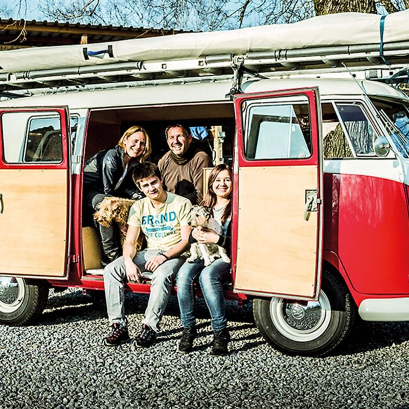 Family in red VW T1