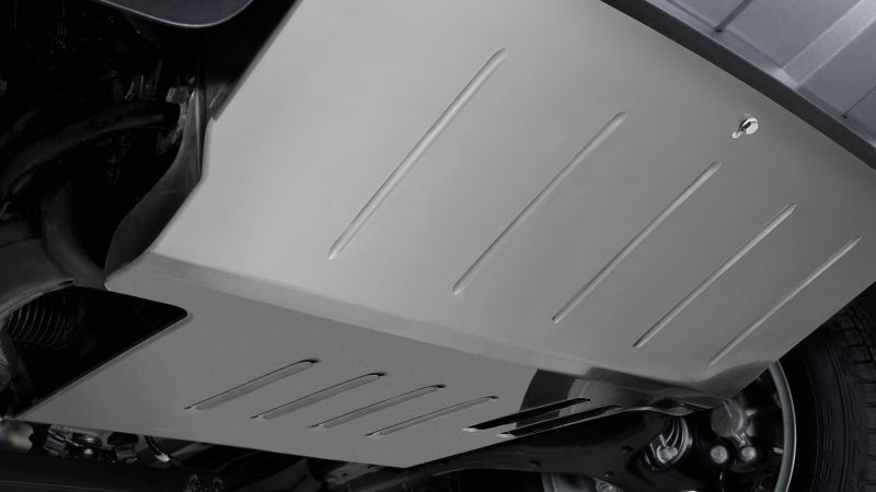 """Zbliżenie na osłonę silnika """"Desert"""" w Volkswagen Amarok."""