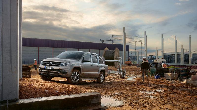 Volkswagen Amarok na placu budowy.