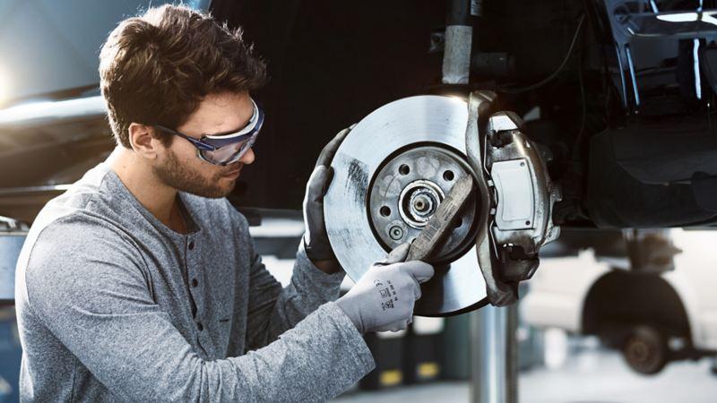 bremseskiver bremseklosser bremseskift service- og vedlikeholdsavtaler vw Volkswagen varebil merkeverksted