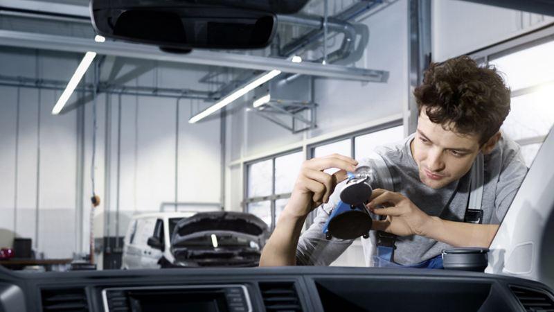 bilglass ruteskift steinsprutskade merkeverksted bestille time vw Volkswagen varebiler
