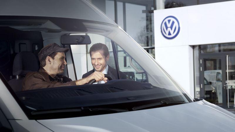 vw Volkswagen leasing overdragelse leasingkontrakt privatleasing bedrift varebil leasingbil finansiering ny arbeidsbil firmabil familiebil