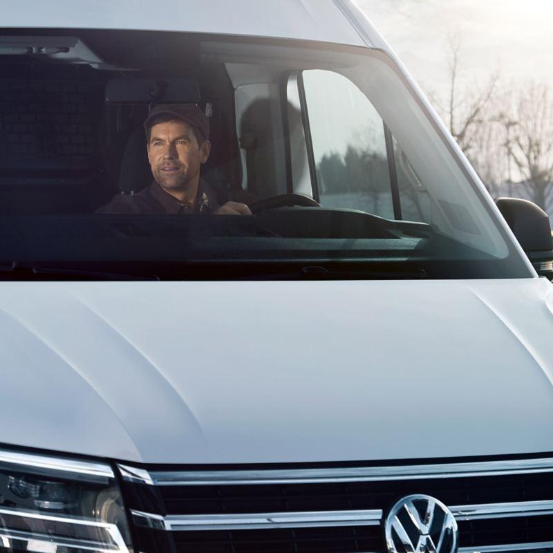 vw Volkswagen assistentsystemer førerassistentsystemer sikkerhetssystemer teknologi sjåfør Crafter kassebil varebil