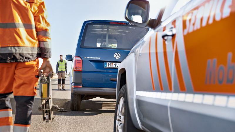 Akut service på en Volkswagen Transportbil