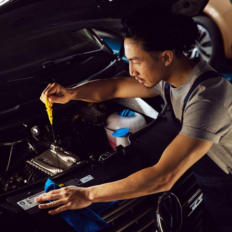 vw Volkswagen merkeverksted liten stor service servicetjenester varebil varebiler oljeskift