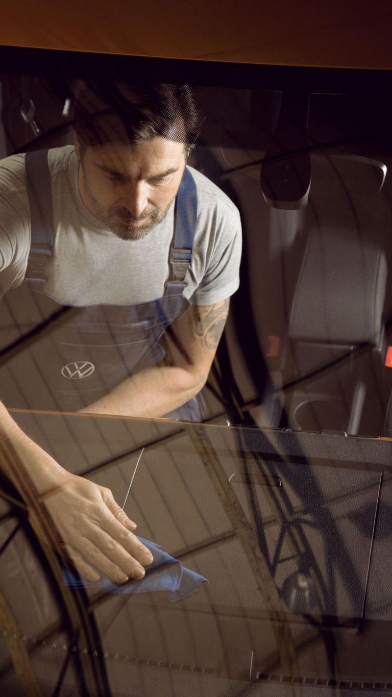 bilglass ruteskift steinsprutskade merkeverksted bestille time vw Volkswagen varebiler varebil Transporter Caddy Crafter Amarok Caravelle Multivan e-Crafter elvarebil