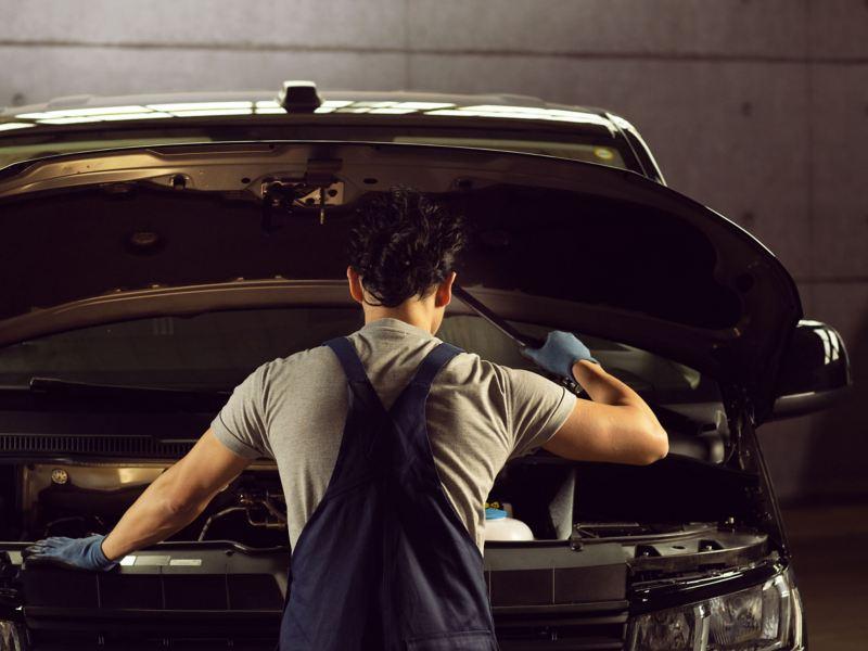 vw Volkswagen service reparasjon merkeverksted bilverksted verksted bilmekaniker Caddy liten Transporter Crafter stor varebil kassebil firmabil arbeidsbil