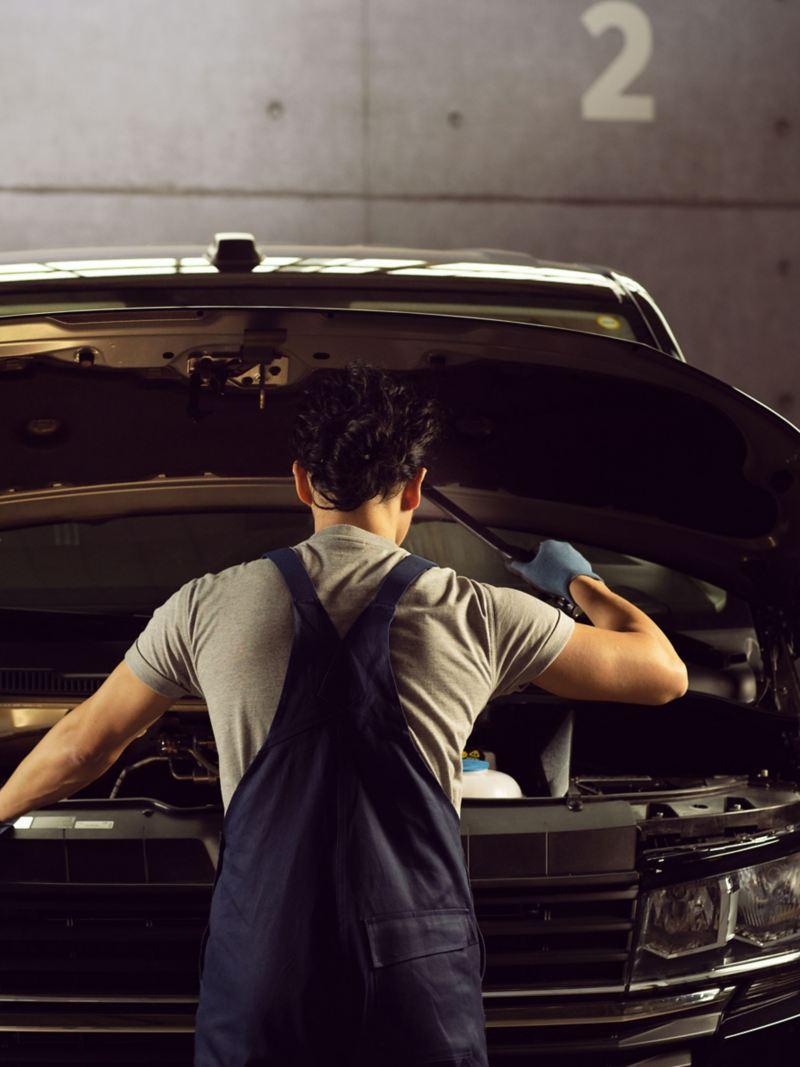vw Volkswagen varebiler varebil merkeverksted bilverksted bilmekaniker dekk felg bremseskive bremseskift