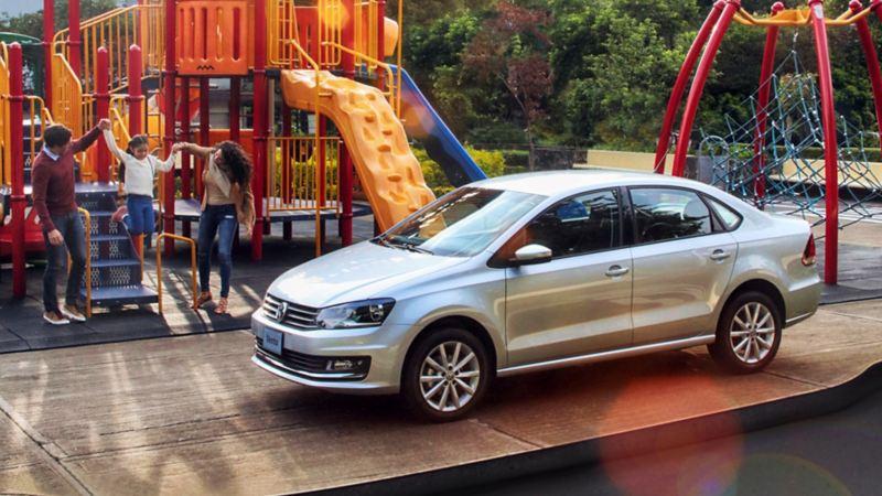 Auto sedán garantizado en Das WeltAuto - Venta de Autos usados y semiusados