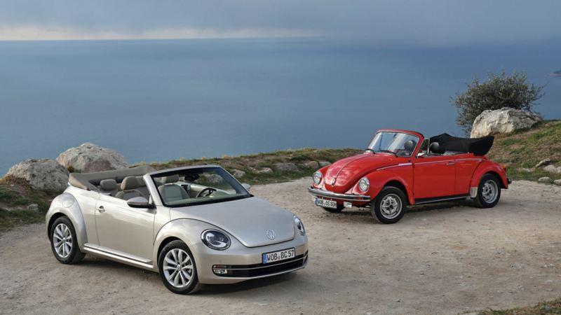 Historia de modelo de auto Beetle Volkswagen - Auto deportivo estacionado cerca de playa